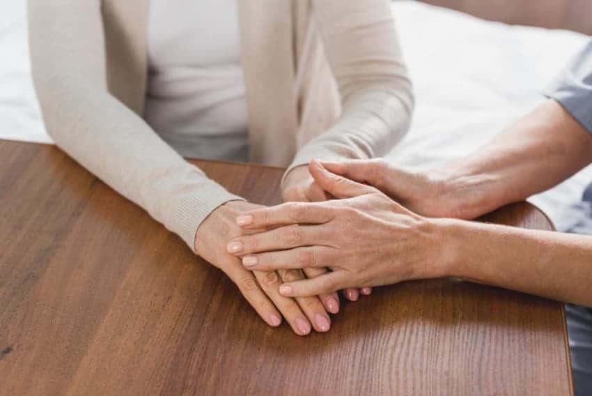 טיפול בפרחי באך בתופעות גיל המעבר